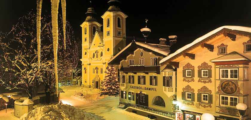 austria_kitzbuhel-alps_st-johann_town-view-night.jpg
